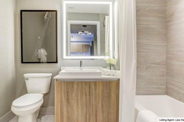 15-Aventura-Park-Square-Bathroom-2019